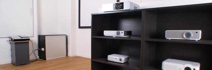 heimkino beamer berlin ihr fachhandel vor ort. Black Bedroom Furniture Sets. Home Design Ideas