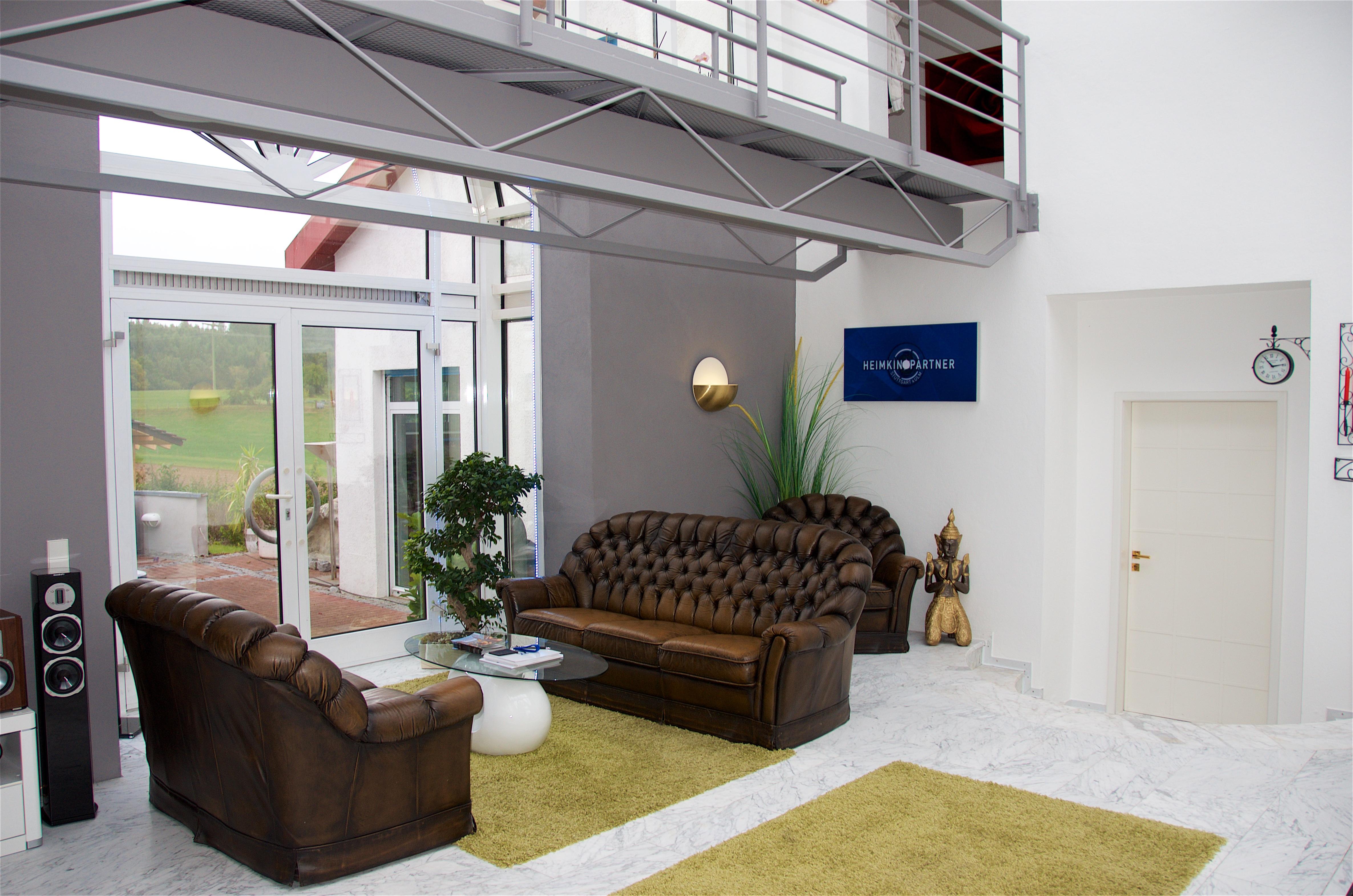 heimkino beamer stuttgart ihr fachhandel vor ort. Black Bedroom Furniture Sets. Home Design Ideas